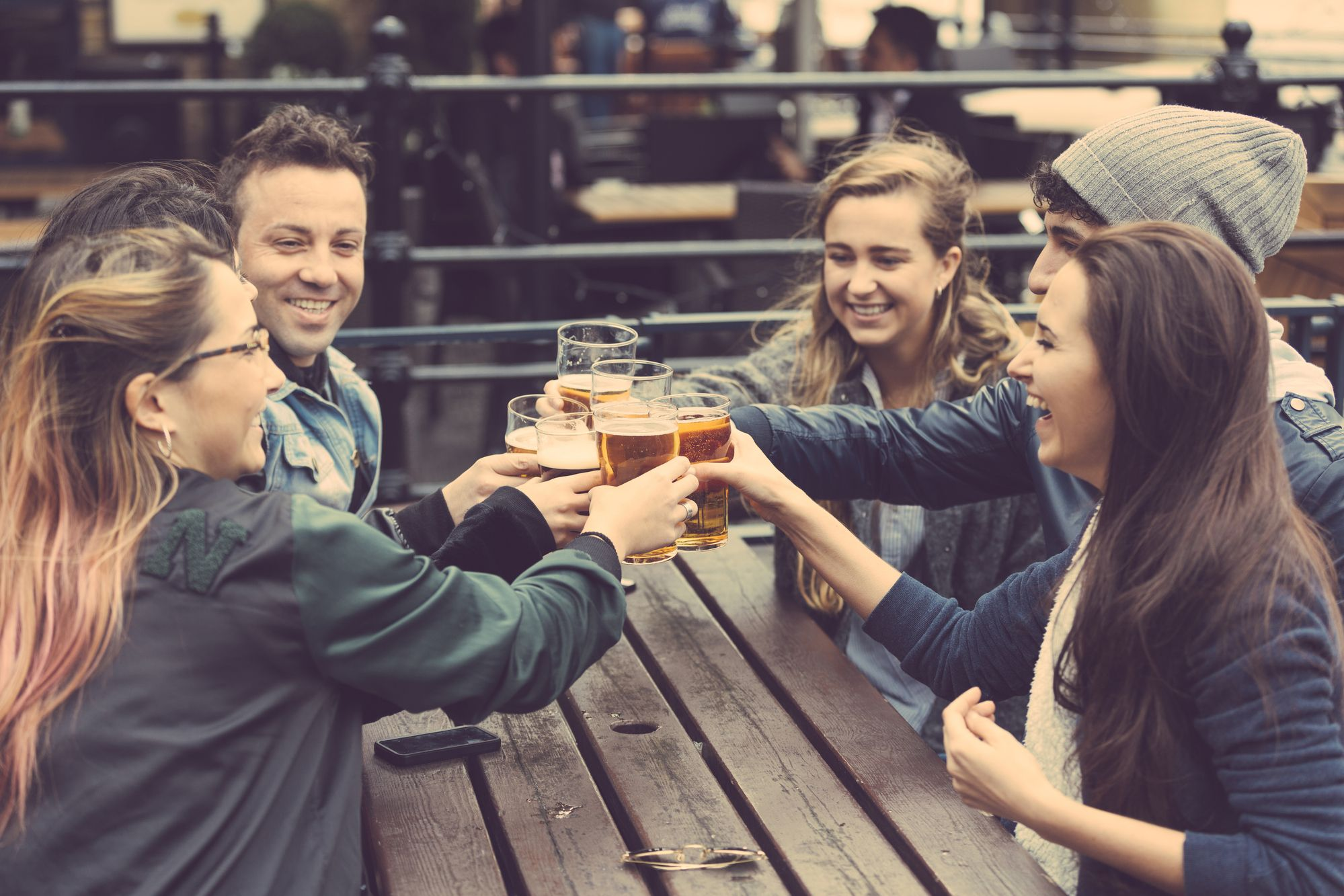 UK entertainment guide - things to do in London and the UK. Find UK pubs, restaurants and things to do in your time off work